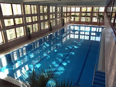 4* Wellness Hotel Bál Resort úszómedencéje Balatonalmádiban - Hotel Bál Resort**** Balatonalmádi - Akciós wellness szálloda a Balatonnál panorámás kilátással